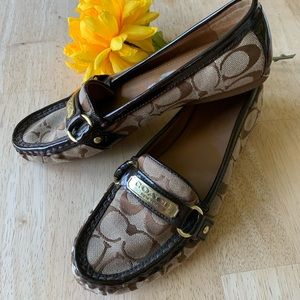 Ladies Coach logo loafers with brass details